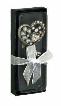 Sil Silver Gem Heart Bottle Stopper A pretty and decorative heart shaped bottle stopper decorated with gems.