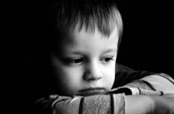 5 Warning Signs of Reactive Attachment Disorder (RAD) - Reactive attachment disorder is where children are apathetic to others and to their parents and have a hard time dealing with emotions.