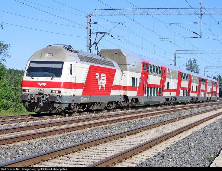 RailPictures.Net Photo: 3245 Finnish Railways Sr2 at Lempäälä (Sääksjärvi), Finland by Ilkka Lahdenpohja