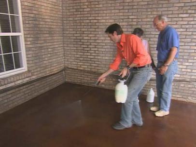 comment teindre les planchers en bton tacher patios en bton bton cir plutt appliquer au lieu de stained concrete patio ideas apply concrete - Colorant Beton Brico Depot