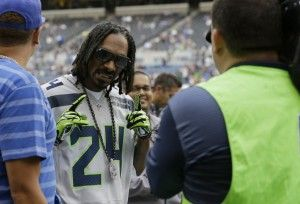 snoop at seahawks game pics   Seattle's special guest: Snoop Hawk? - Seattle Seahawks & NFL News