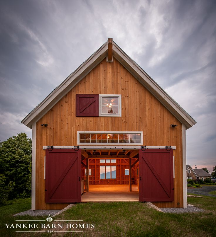 25 best ideas about barn apartment on pinterest barn for Small barn with loft