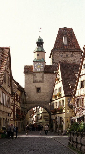 Arch in Rothenburg, Germany by Jim Nix / Nomadic Pursuits, via Flickr