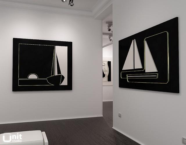 Art gallery_01 by Unit-Studio, via Flickr