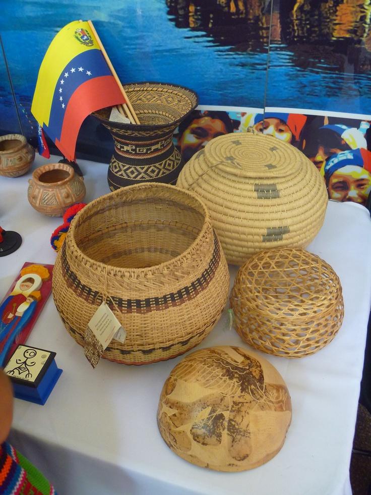 Artesanía de Venezuela; feria de las culturas amigas 2013.