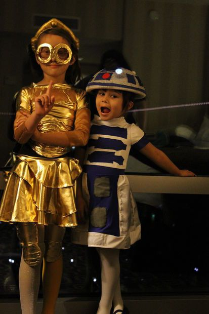 DIY Star Wars costumes for kids: Homemade C3PO and R2D2 instructions at Instructables