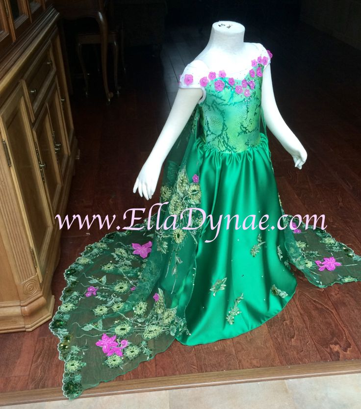 LIMITED EDITION Frozen Fever Green Elsa Spring Dress by EllaDynae on Etsy https://www.etsy.com/listing/227884647/limited-edition-frozen-fever-green-elsa