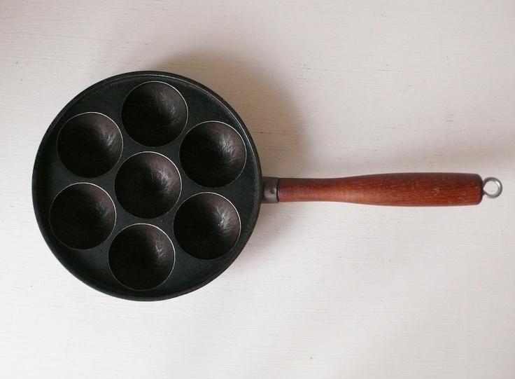 Cast Iron Danish Cake Pan