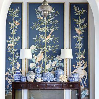 Make your entry way beautiful | www.bocadolobo.com #bocadolobo #luxuryfurniture #exclusivedesign #interiodesign #designideas #consoletables #entryway #entry