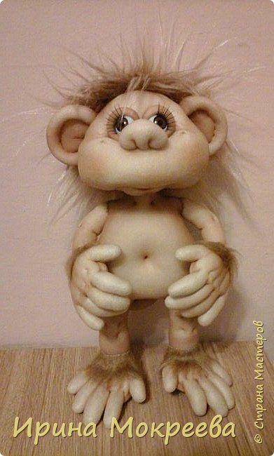 Здравствуйте жители страны мастеров хочется показать  вам свою обезьянку - Вдохновила меня работа Елены Ауловой http://stranamasterov.ru/node/948224?c=favorite большое ей спасибо за это. Моя пока не такая нарядная-прикид появиться позже ,когда  решу кому  она будет подарком.  фото 1