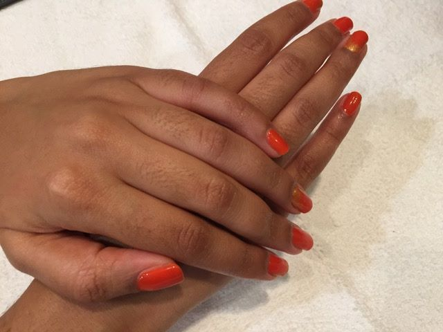 Beautiful nails for a beautiful woman. Thanks to the lovely Simone, for sending though this gorgeous image of her manicure. <3 #margaretsnails