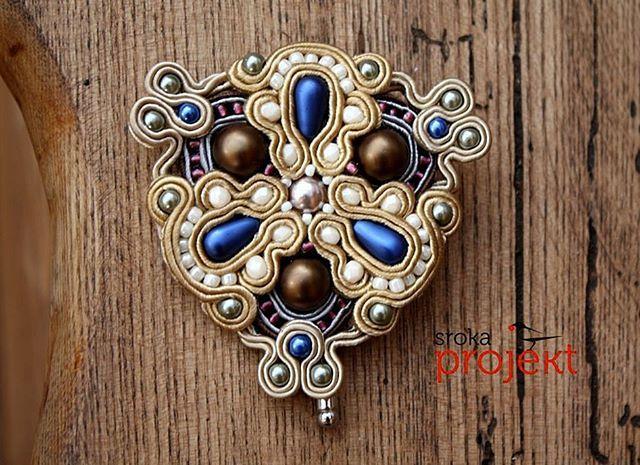 #soutache #sutasz #broszka #brooch #biżuteria #jewelry #srokaprojekt #złota…