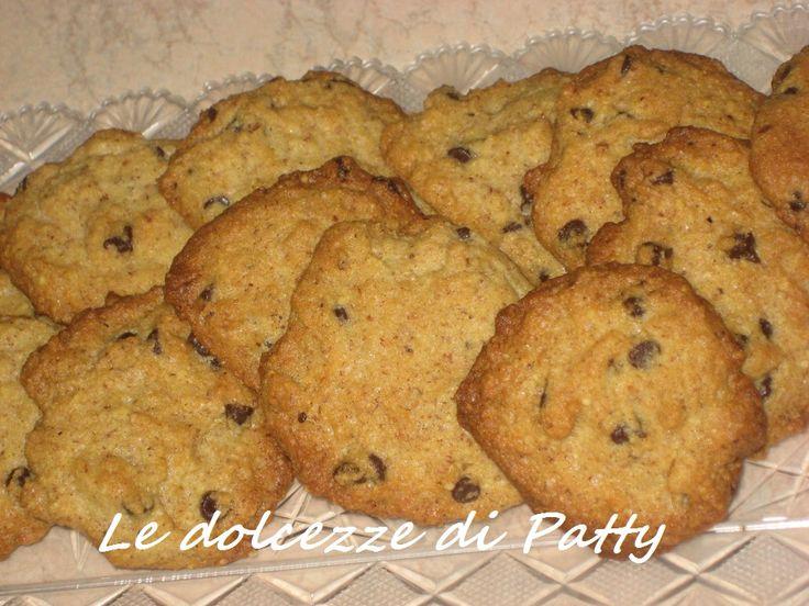 BISCOTTI BRUTTI MA GOLOSISSIMI - Qui la #ricetta #BlogGz: http://blog.giallozafferano.it/sanpatty/biscotti-brutti-ma-golosissimi-ricetta-con-cioccolato/ #GialloZafferano #biscotti #cioccolato #merenda #cookies