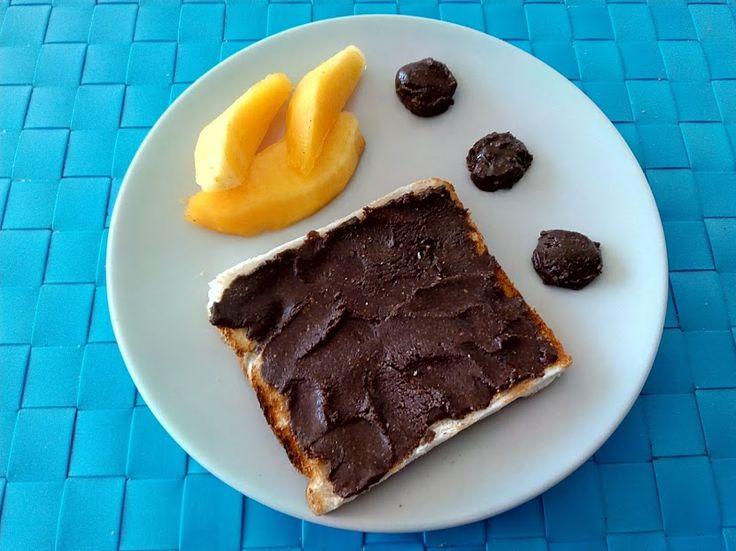 En esta ocasión os presentamos una receta para crear una maravillosa crema de cacao vegana, ideal para poner en tostadas como desayuno o merienda. PREPARACIÓN Ponera hidratar durante unos30 minut…