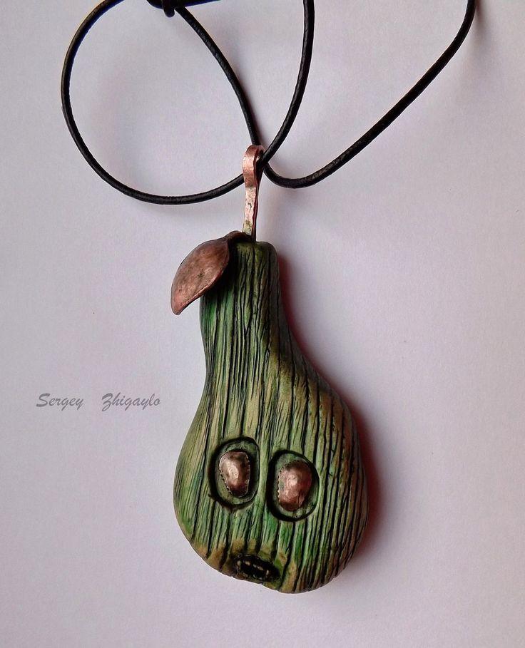 """Купить Кулон из дерева """"Зелёная грушка"""" - зеленый, авторская, авторские, украшения, Бижутерия, брошь, броши"""