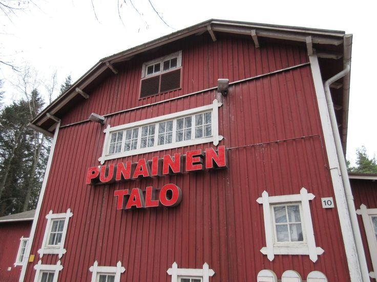 Keskuskatu en Riihimäki, Etelä-Suomen Lääni: Visitar todos los cafés de la ciudad....