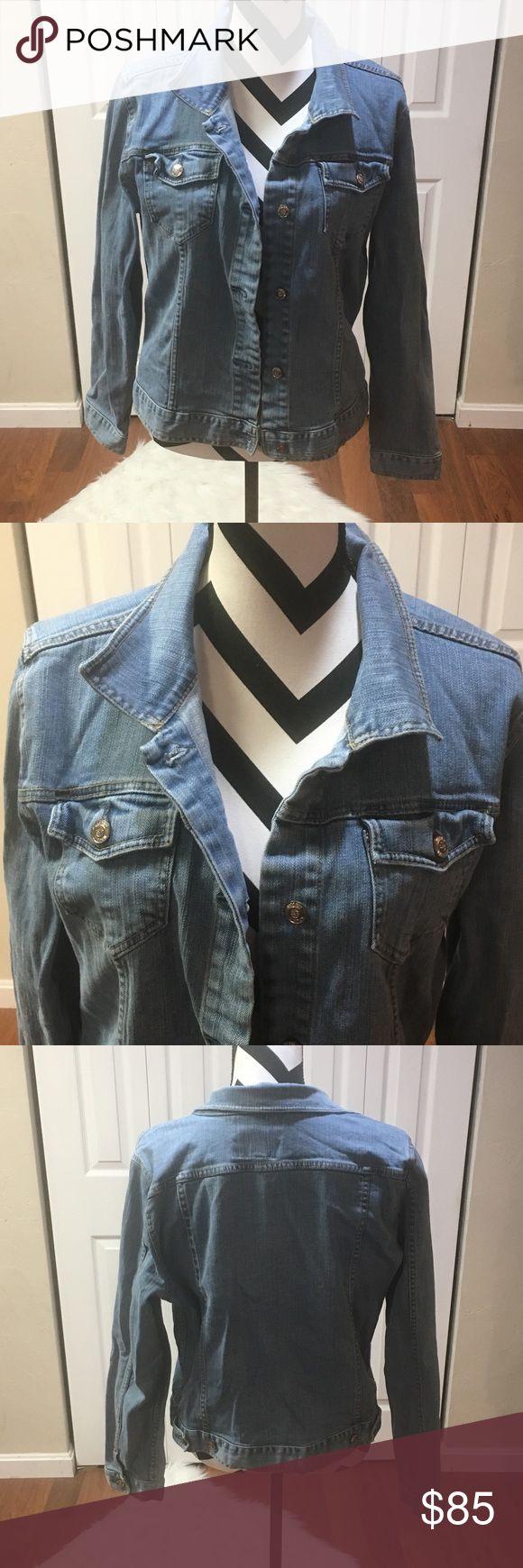 Plus size denim jean jacket xxl Plus size denim Jean jacket xxl 💗good condition💗🍁🍂nice for the Fall🍁🍂 SJP by Sarah Jessica Parker Jackets & Coats Jean Jackets