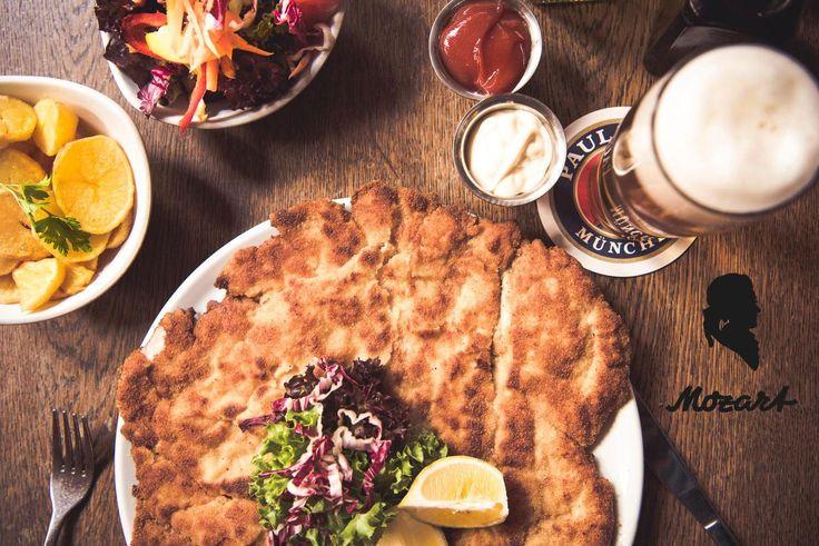 Was will man mehr? Schoenes Schnitzel und ein kuehles frisches Bier!    Mozart - Cafe - Restaurant - Cocktail Bar   www.cafe-mozart.info #Cafe #Mozart #Restaurant #Cocktail #Bar #Muenchen #Fruehstueck #Kuchen #Mittagsmenu #Lunch #Sendlingertor #Placetobe #Kaffee