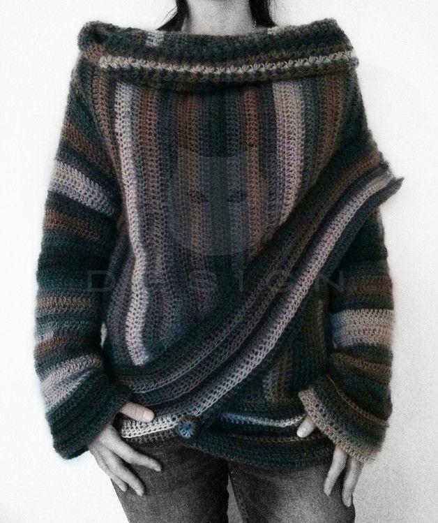 Eine warmes und kuscheliges Kleidungsstück zum Wohlfühlen. Die Jacke wird in einem Stück in Reihen gearbeitet und die Ärmel direkt in Runden daran gehäkelt. Stb, hStb, fM und...