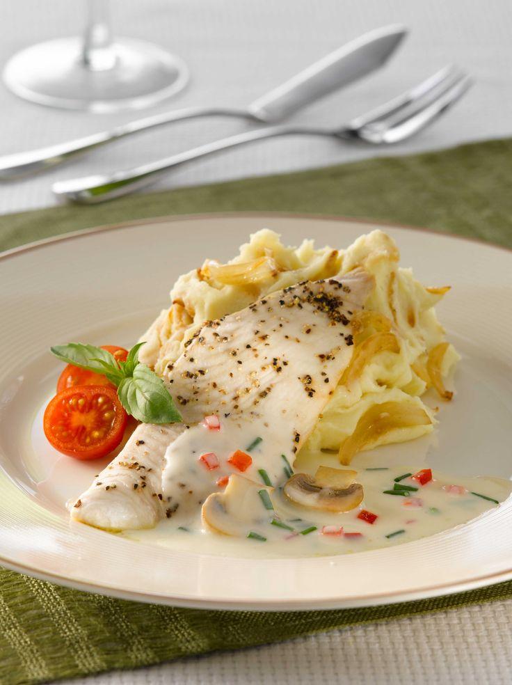 Disfruta de una Reineta en salsa de verduras con puré lyonesa, una receta con 342 Kcal. que solo te tomará 35 minutos prepararla.
