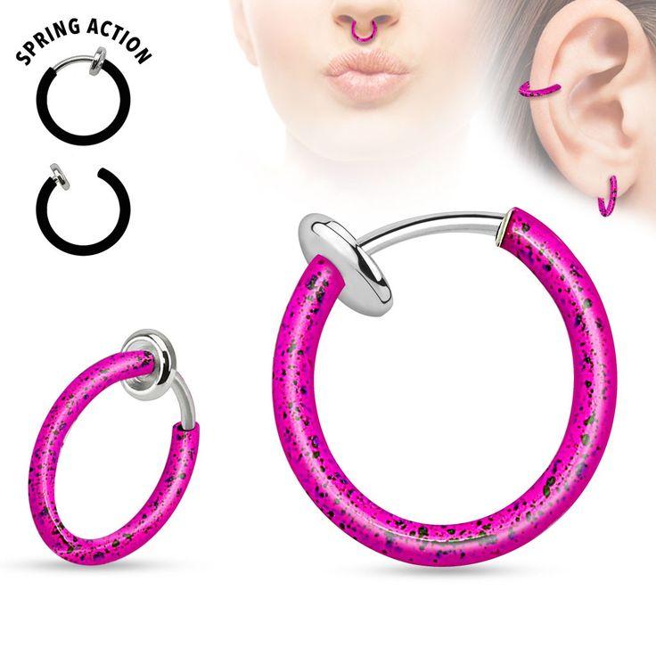 Faux piercing anneaux 10mm rose et noir à clip PazUn faux piercing acier chirurgical de couleur rose et noir à clip de 10mm de diamètre intérieur pouvant être porté ou bon vous semble, oreille, nez. Il suffit d'ouvrir le clip pour la pose. Vendu à l'unité.