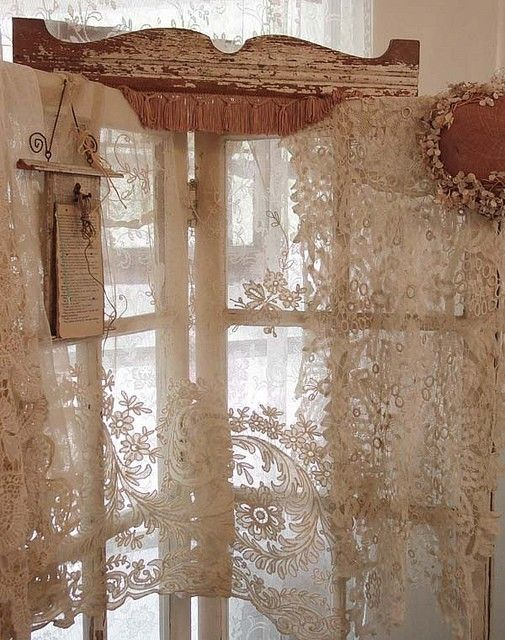 laceFolding Screens, Vintage Lace, Shabby Chic, Lace Curtains, Old Windows, Vintage Windows, Wood Frames, Windows Treatments, Room Dividers