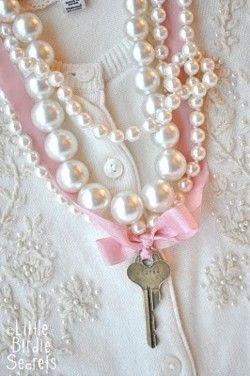 inspirationlane:  (via Key Elements / Little Birdie Secrets: key to my heart necklace {tutorial})