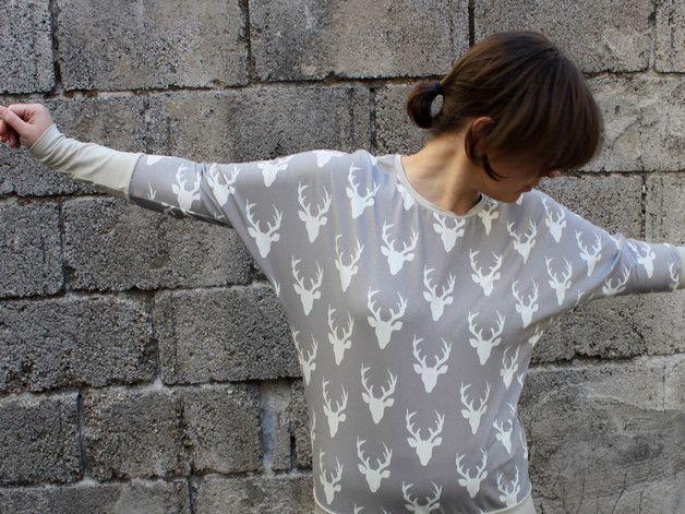 Nähanleitung für ein Sweatshirt mit Fledermausärmeln / diy sewing instruction: sweater longsleeves made by Konfetti Patterns via DaWanda.com