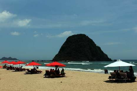Pulau Merah Banyuwangi Indonesia