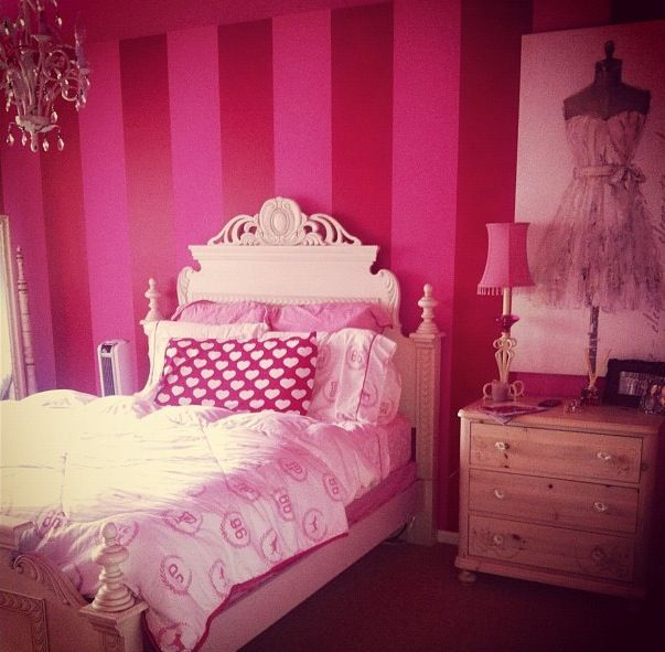Victoria's Secret bedroom! Decor for the secret bedroom..