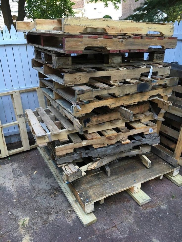 A man grabs a stack of free pallets. His closet idea? Incredible!