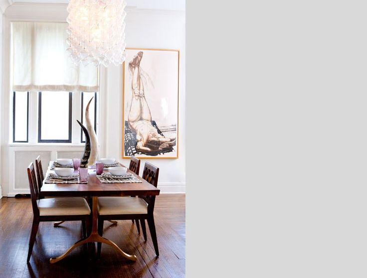 Kenmerken van de jaren 30 stijl zijn natuurlijke materialen, zwart/wit geblokte tegel vloeren, glas in ...