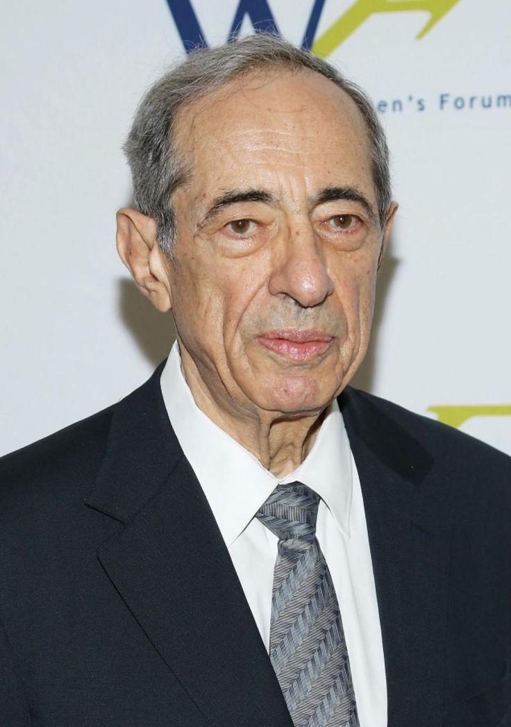 Mario Cuomo, former New York governor, dead at 82 Ever-eloquent Mario Cuomo, a son of Queens who rode his rhetorical gifts to three terms as New York governor and tantalized Democrats by flirting with a run for President, died Thursday, two sources close to the family said. He was 82.  He excelled in baseball and basketball. ... (01.01.15)