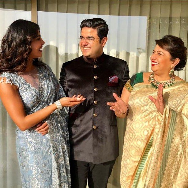 Family siddharthchopra89 madhumalati | Priyanka Chopra