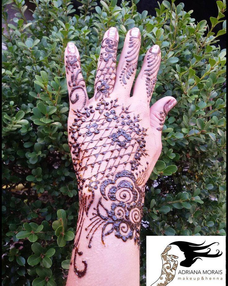 Henna Árabe .Henna Gulf Style #7enna #henna #hennatattoo #hennadesign #hennapro #hennalove #mehandi #mehendi #mehndi #pausaparafeminices #universodamaquiagem_oficial #supervaidosa #hudabeauty #estilosa #fashionista #itgirl #bohochic #hippiechic#tatuagemdehenna #encontro #encontrofatimabernardes