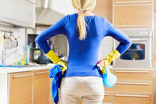 Errors On Clean-up house that Make Quick Damaged Furniture, Home Affairs clean-up is done every day, may seem trivial. But that is not the right way to make furniture or furniture quickly broken. This five most common mistakes made while cleaning the house and move right.