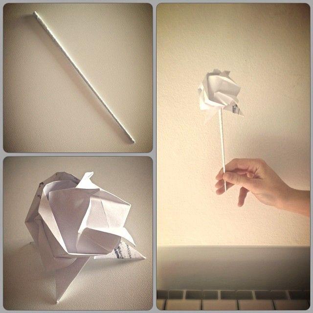 Stelo + Carciofo = Rosa SI PUÒ FARE!  #rose #origami #workingtime #voxart #paper #instagood #instamood #picoftheday