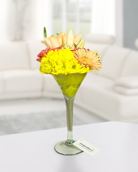 Roses chrysanthemums and lilies cocktail