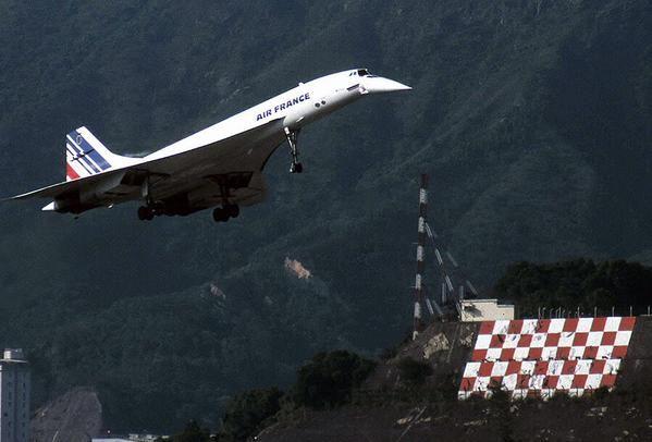 Two times nostalgia combined - Kai Tak Airport & Concorde - via PJ de Jong
