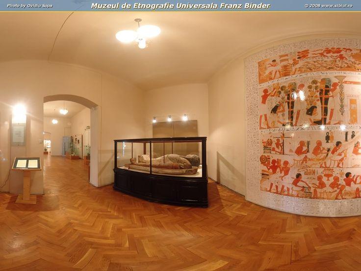 """Muzeul de Etnografie Franz Binder Sibiu este componentă a Complexului National Muzeal """"ASTRA"""". Muzeul de Etnografie Universală """"Franz Binder"""" este, de la inaugurarea sa în 1993, singurul muzeu din România profilat pe cercetarea si valorificarea patrimoniului de etnografie extra-europeană."""