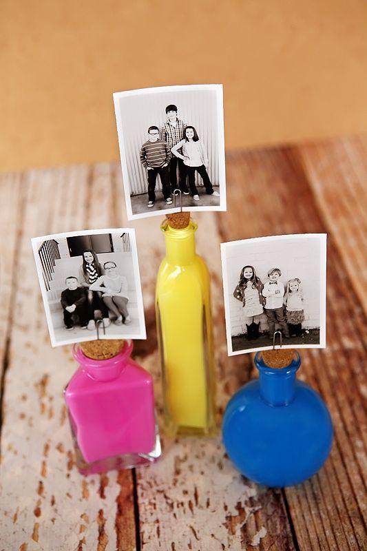 Painted Photo Bottles | #DIY, cardholder