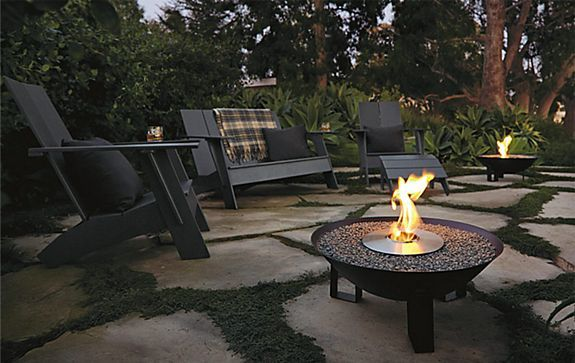 outdoor sitting areaFire Pits, Outdoor Rooms, Outdoor Living, Back Yards, Dishes Fireplaces, Backyards Ideas, Patios, Outdoor Spaces, Firepit