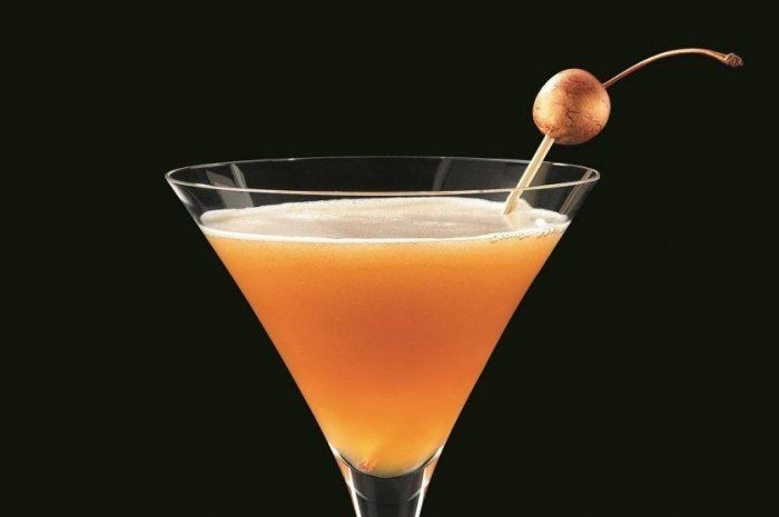 Drink: Bellini Manhattan from Our 50 Best Brunch Recipes for 2017 Slideshow