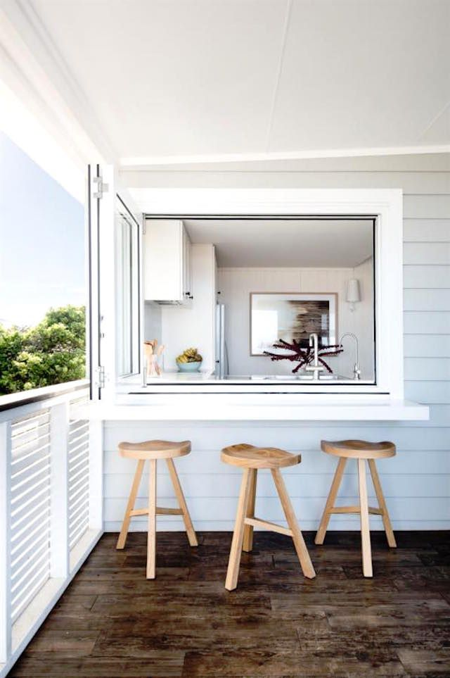 WE'RE LOVING THIS CLASSIC BEACH HOUSE IN AVOCA, NSW {Loving it too? You can actually rent it for holidays, scroll down for all the details!}