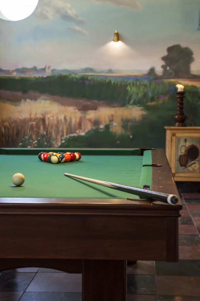 Its time to have fun!  #billiard #hotelamadechateu