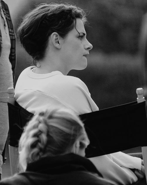 Tumblr Kristen on the set of Lizzie filming in Savanna 11/16/2016