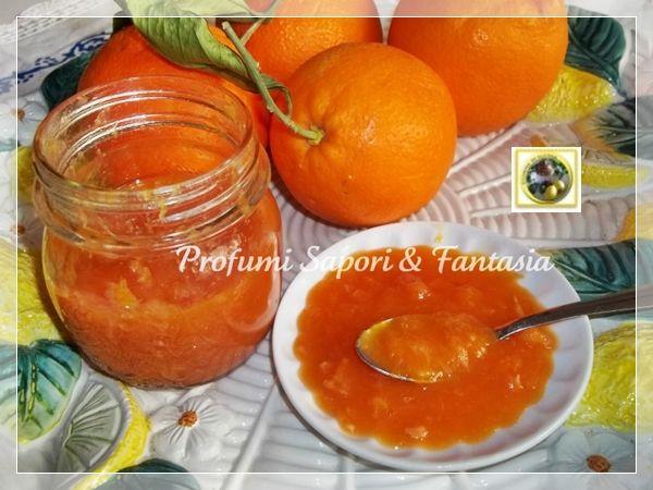 Marmellata di arance Bimby, ottima da tenere come scorta ora che la stagione di questi frutti è agli sgoccioli, da utilizzare per dolci merenda e colazione.