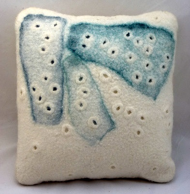 "gladyspaulus felted cushion ""ice"""