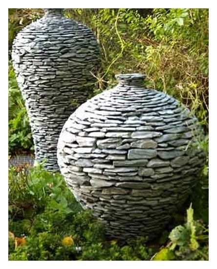 Garden water features handcrafted from natural green slate by Chris Wheeler of Ivel Stoneware Designs.
