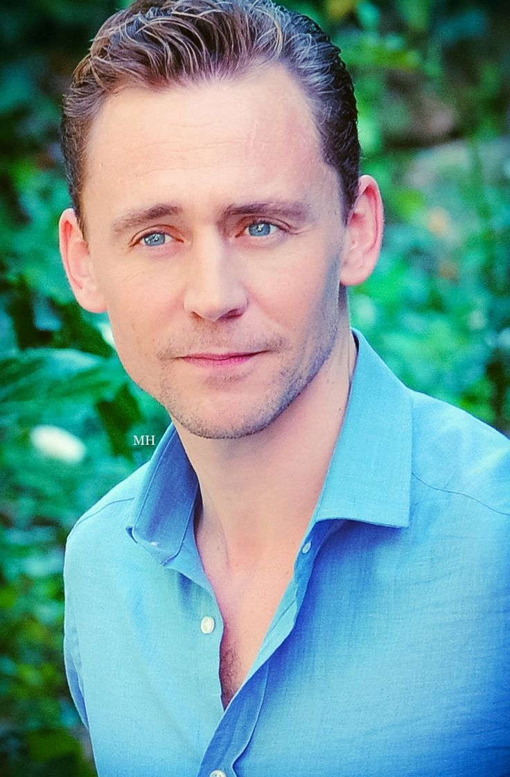 "magnus-hiddleston: "" His smile is my addiction! """